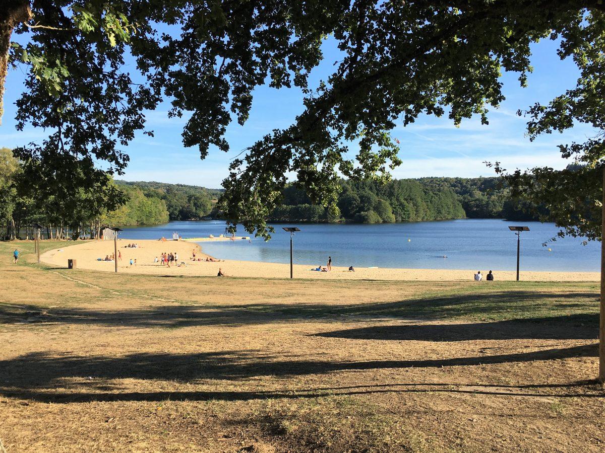 A Cycle Round the Lac de Saint-Pardoux